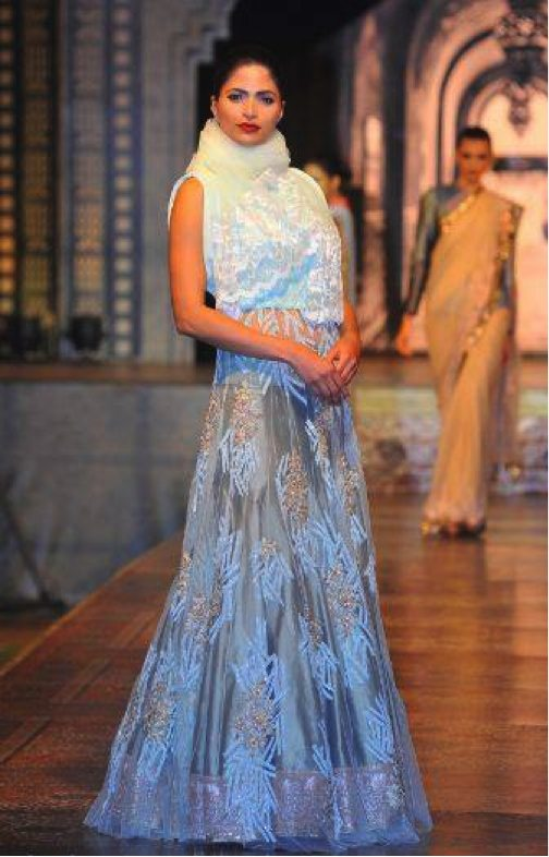 manish-malhotra-elaborate-designs