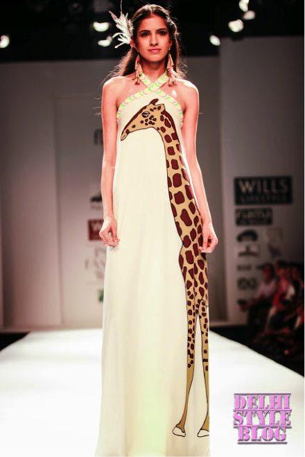 maxi-dresses-giraffe-printed-gown